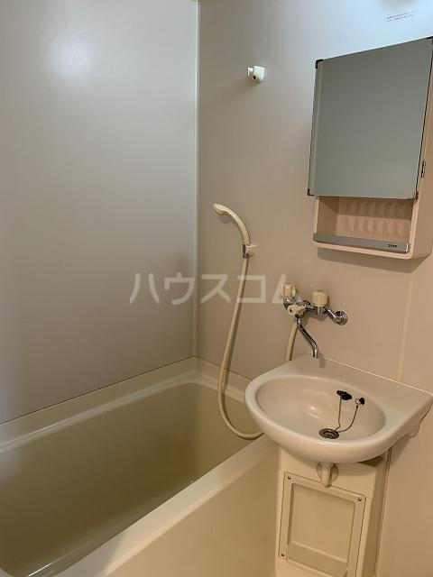 セントラルビルド 207号室の風呂