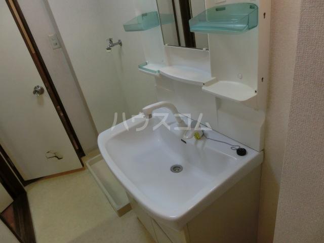 JUNひばりヶ丘 202号室の洗面所