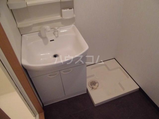 ポポラーレヒロ 203号室の洗面所