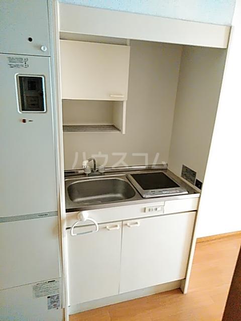 グランデュール若清 302号室のキッチン
