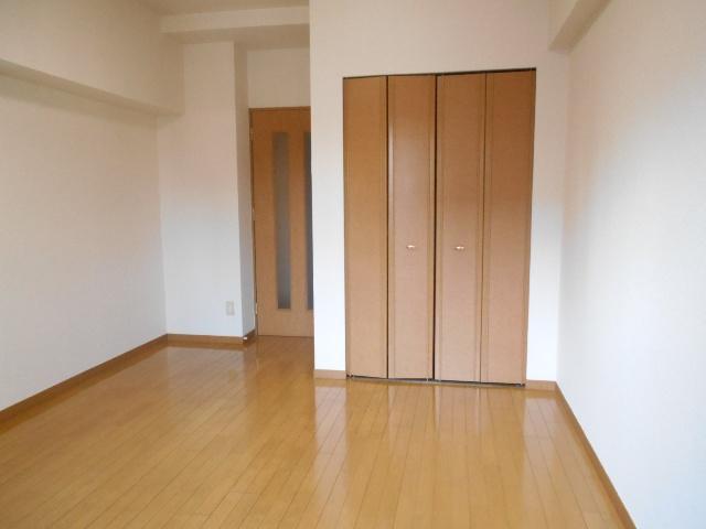 エルスタンザ鶴舞公園 406号室のリビング