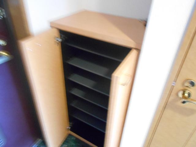 エルスタンザ鶴舞公園 406号室の玄関