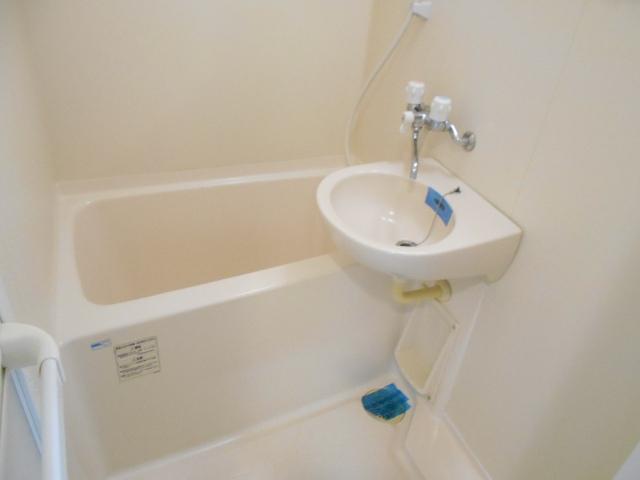 エルスタンザ鶴舞公園 406号室の風呂