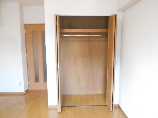 エルスタンザ鶴舞公園 406号室の収納