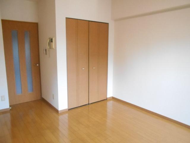 エルスタンザ鶴舞公園 406号室のベッドルーム