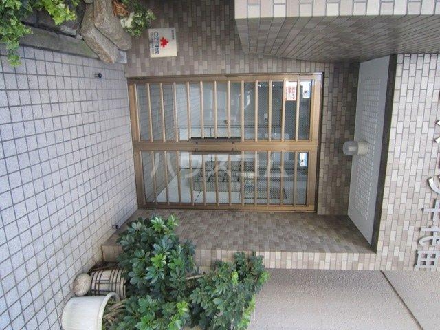 サンパーク千代田 4B号室のエントランス