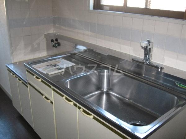 サンパーク千代田 4B号室のキッチン