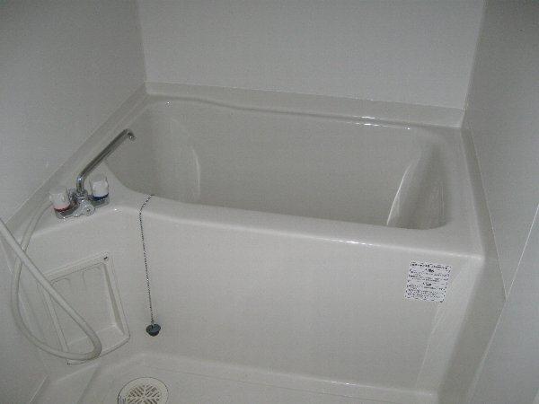 キャノンピア鶴舞 203号室の風呂