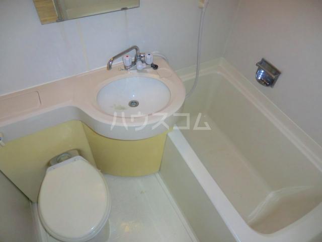 こもれびショア- 202号室の洗面所