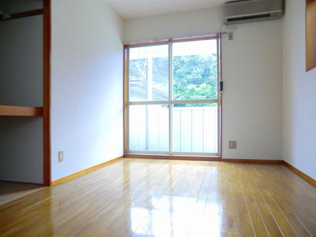 こもれびショア- 202号室の居室