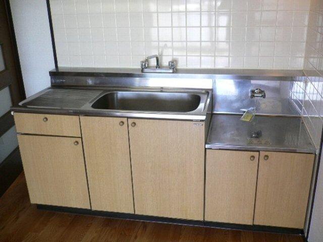 ソレアードⅡ 402号室のキッチン