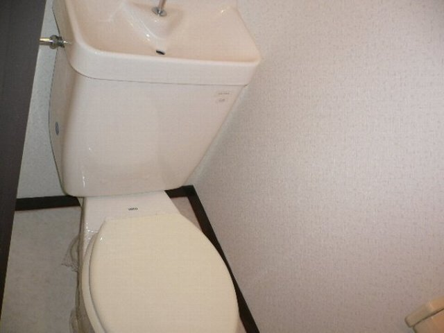 ソレアードⅡ 402号室のトイレ