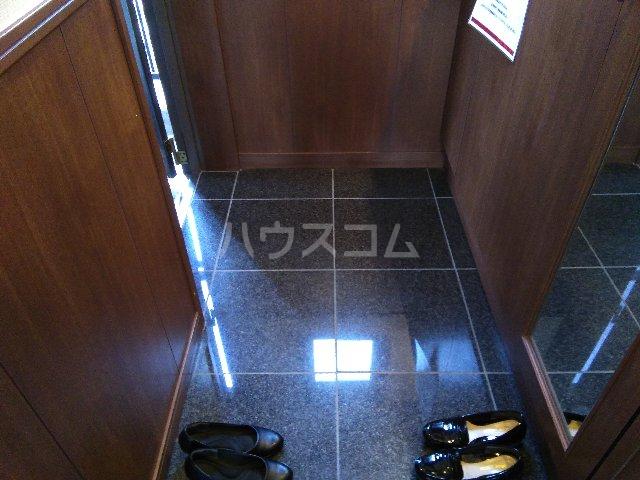 名駅アイリス弐番館 602号室の玄関