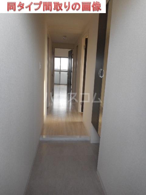 アローム ドゥ ジョア 1403号室の玄関