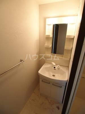 Aries 105号室の洗面所