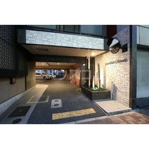 ガーディアン千代田 301号室の駐車場