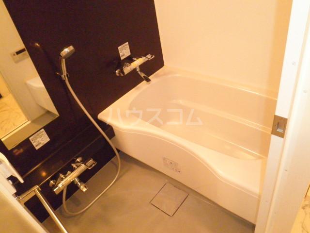 グラヴィス鶴舞 612号室の風呂