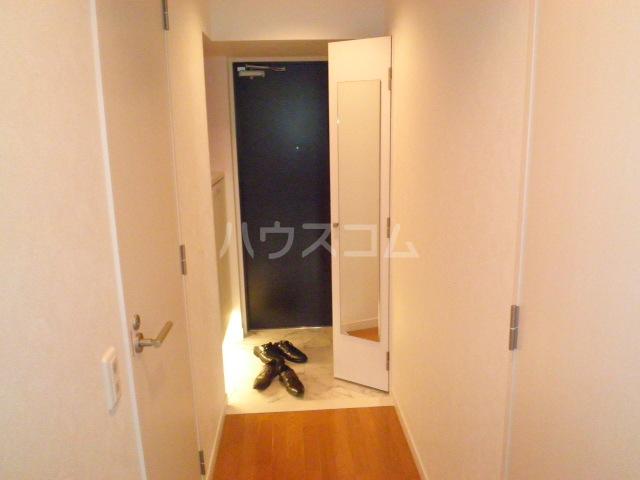 グラヴィス鶴舞 612号室の玄関