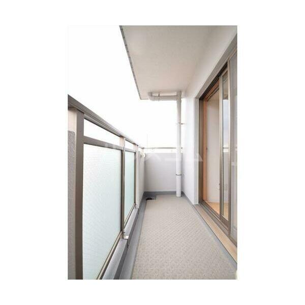 アレンダール大須 1101号室のバルコニー