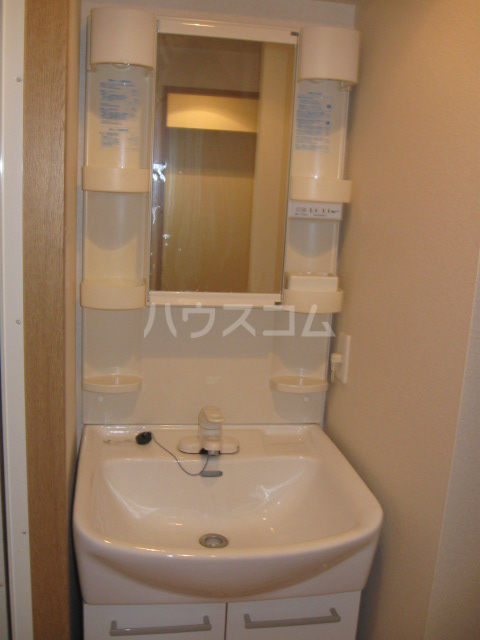 キャノンピア鶴舞 402号室の洗面所