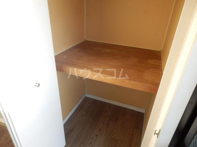 ドミール 203号室の玄関