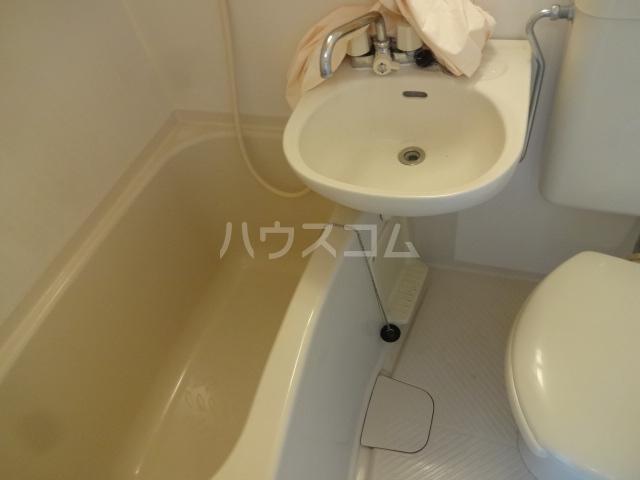 エトスFO 207号室の洗面所