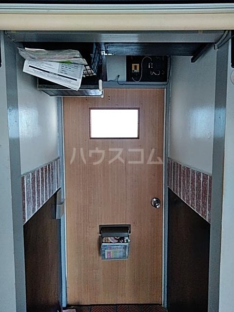 れいめい荘 202号室の玄関