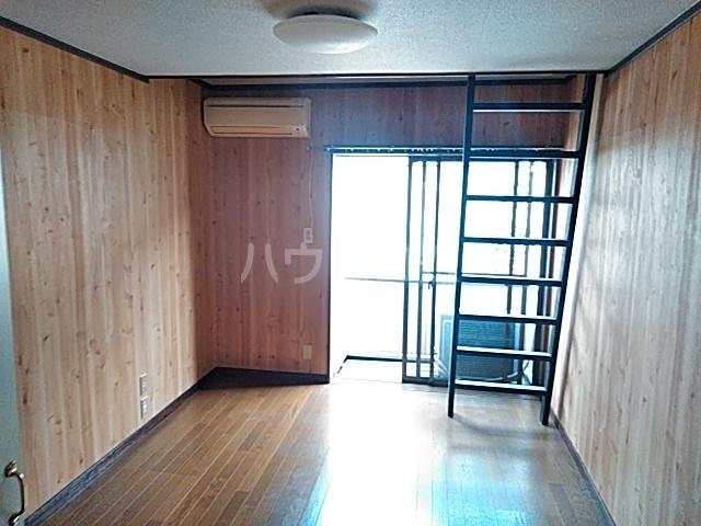 コーポJTL 205号室のリビング