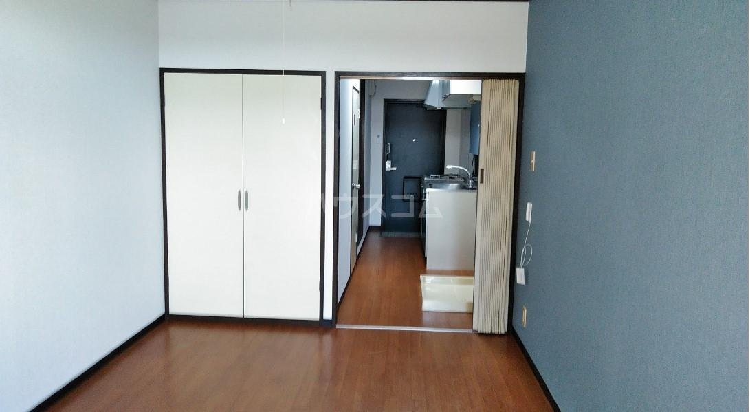 デイジーヒル壱番館 206号室のベッドルーム