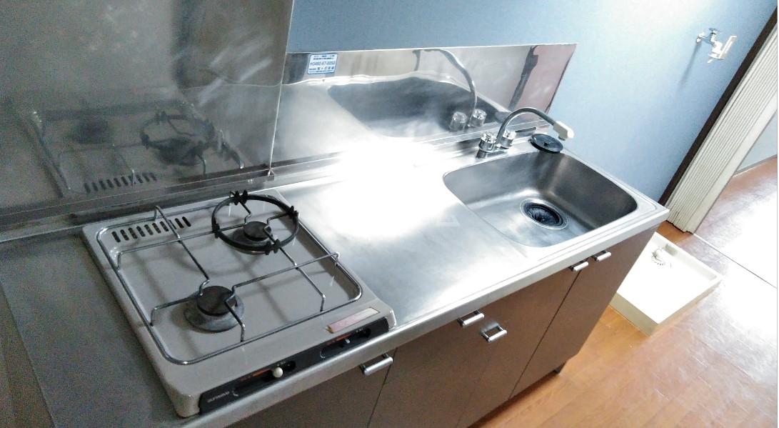 デイジーヒル壱番館 206号室のキッチン