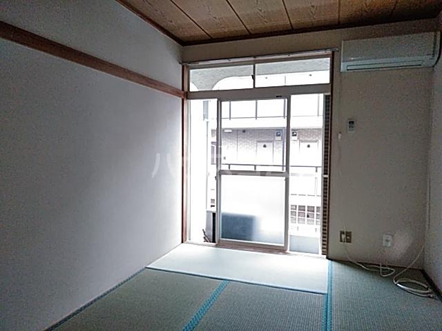 ハイツ石井 202号室の居室