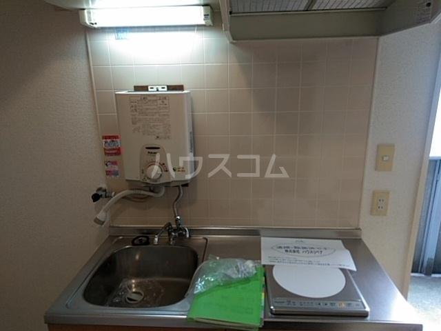猫実ハウス 202号室のキッチン