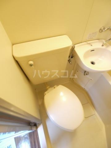 カームハウス日進 203号室のトイレ