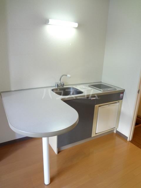 ロワールウエスト2 103号室のキッチン