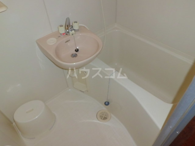 ヤングビレッジMAKI 303号室の風呂