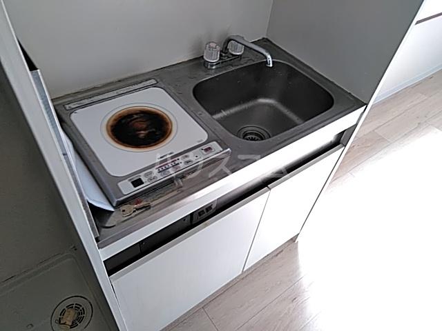 ランディー新浦安 305号室のキッチン