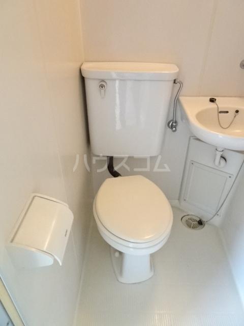 ランディー新浦安 307号室のトイレ