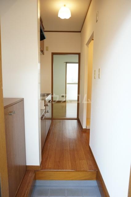 プラタ 102号室の玄関