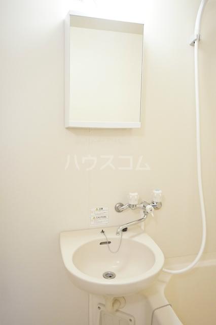 プラタ 102号室の洗面所