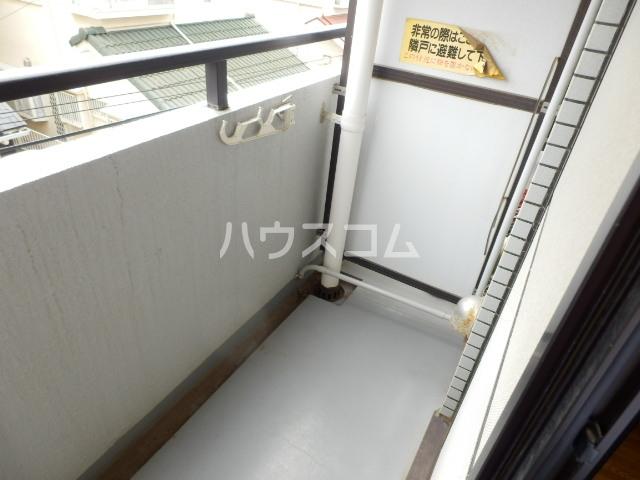 ジョイフル津田沼Ⅲ 107号室のバルコニー