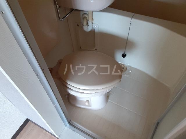 アーバンポイント守山 302号室のトイレ