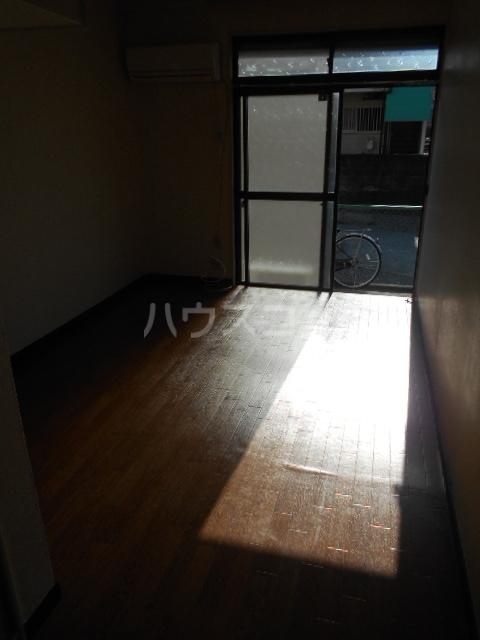 ロゼ7 711号室のリビング
