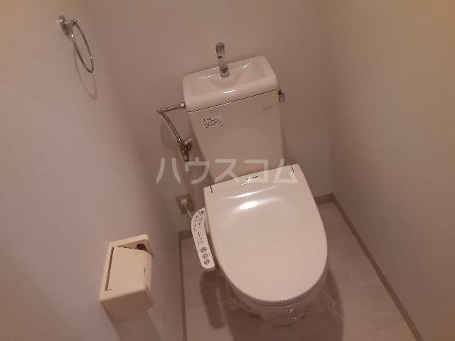 レージュ至来 101号室のトイレ