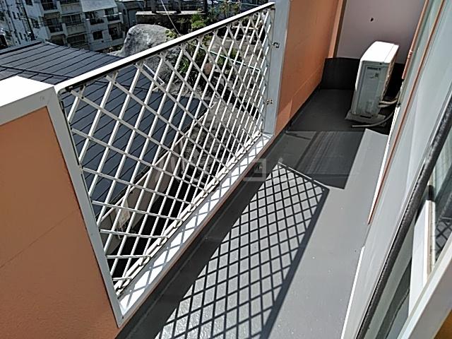 サン・クレール横浜 A202号室のバルコニー