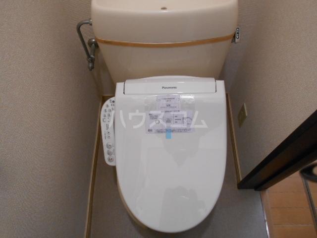ボヌール浦安 101号室のトイレ