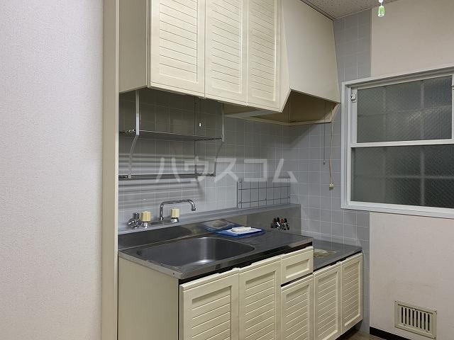 リヴェールハイム 101号室のキッチン