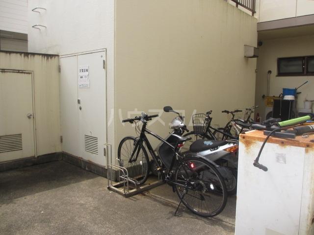 シャンベール湘南 404号室のリビング