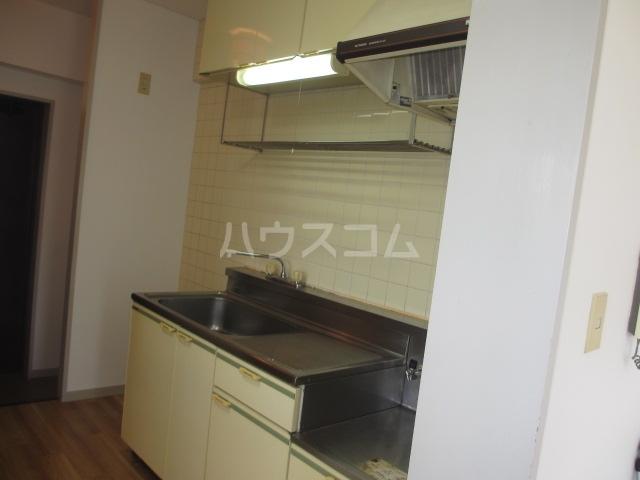 シャンベール湘南 404号室のキッチン