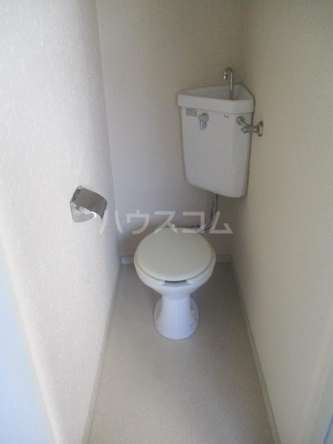 ホーリーハイツ 201号室のトイレ