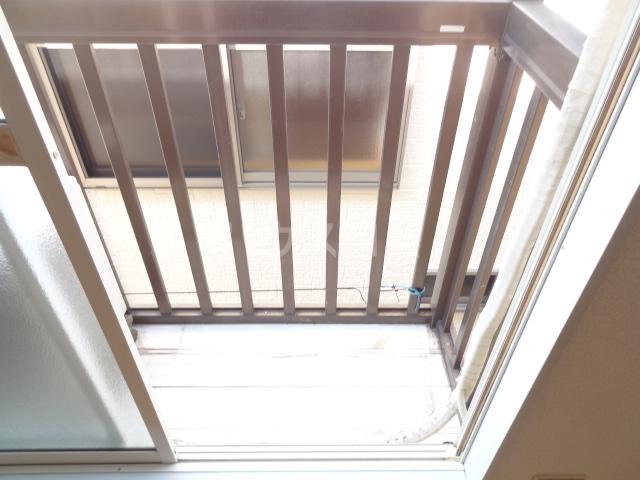 フォレント2番館 202号室のバルコニー
